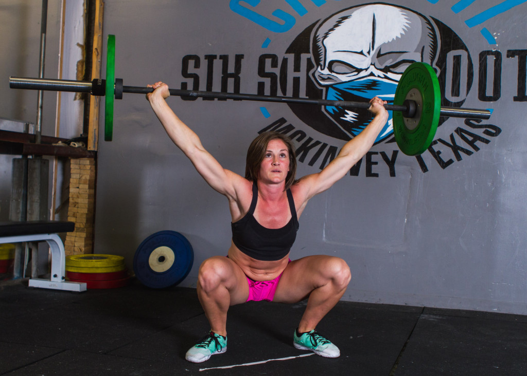 women crossfit overhead squat