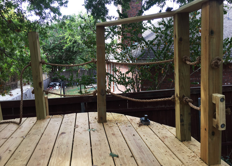 building-a-treehouse-pirate-rope-railing