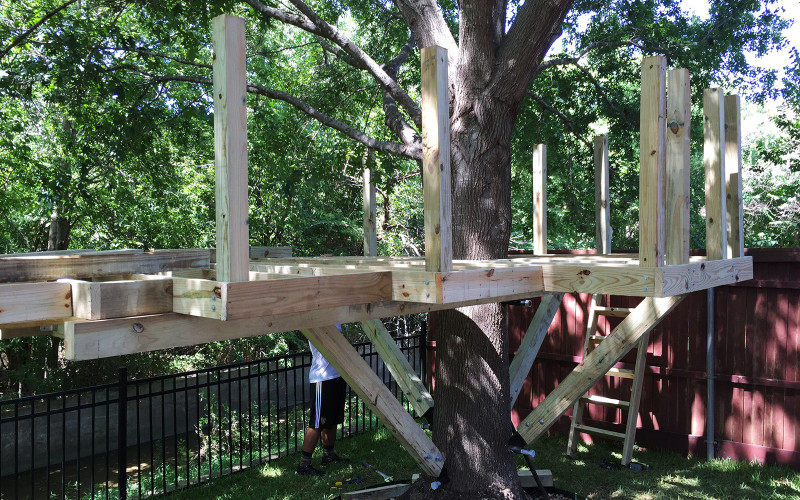 building-a-treehouse-railings