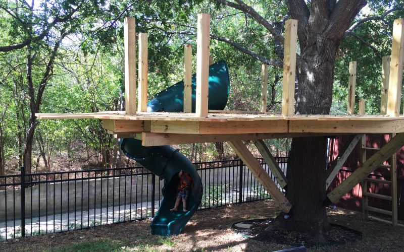 building-a-treehouse-slide-mounted